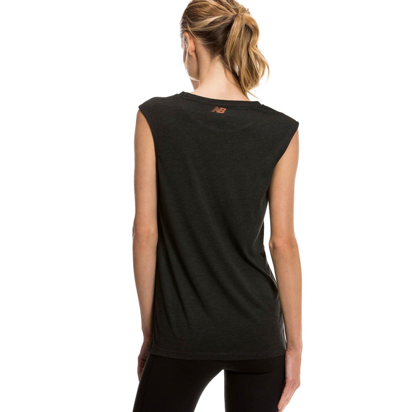 New Balance Gri Kadın Tshirt