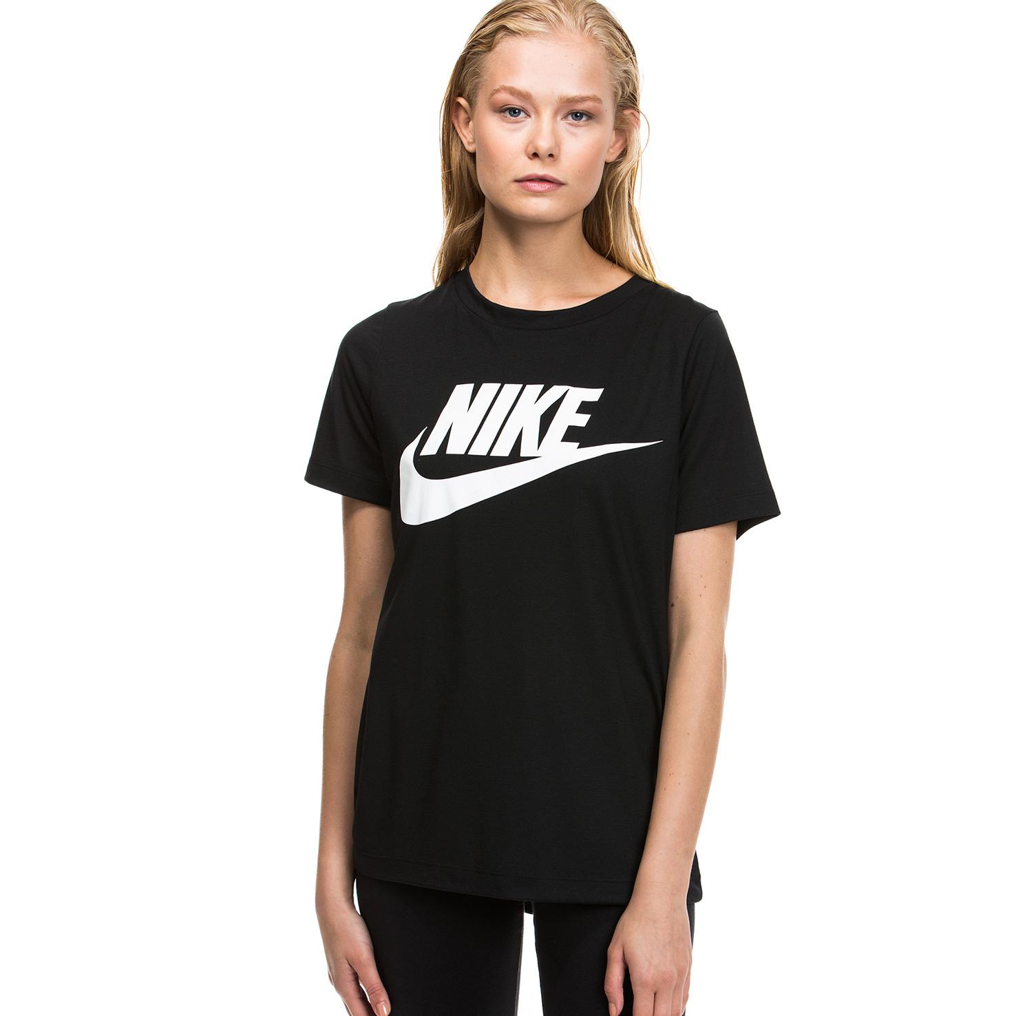 Nike Essential Kadın Siyah Tshirt