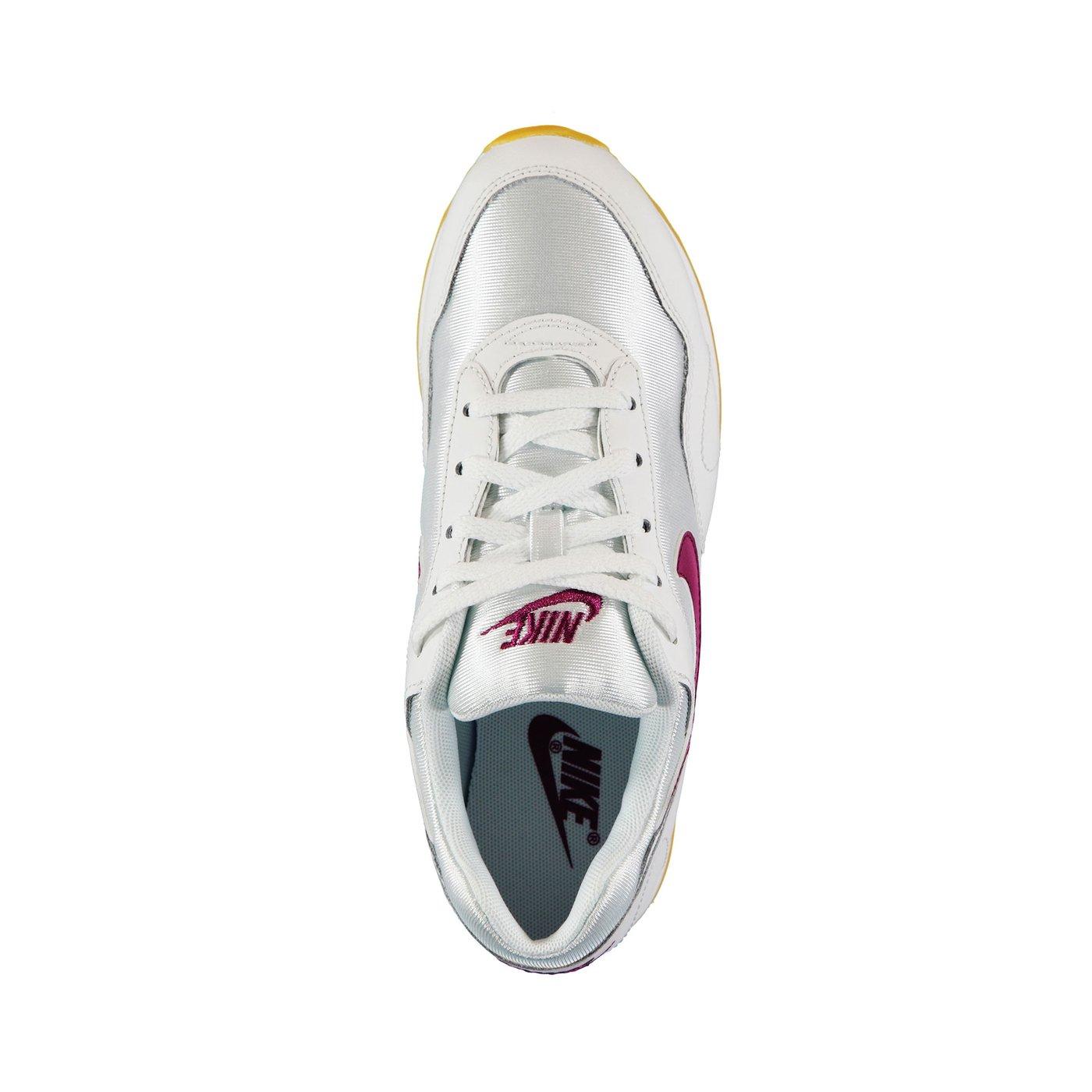 Nike Outburst Kadın Beyaz Spor Ayakkabı