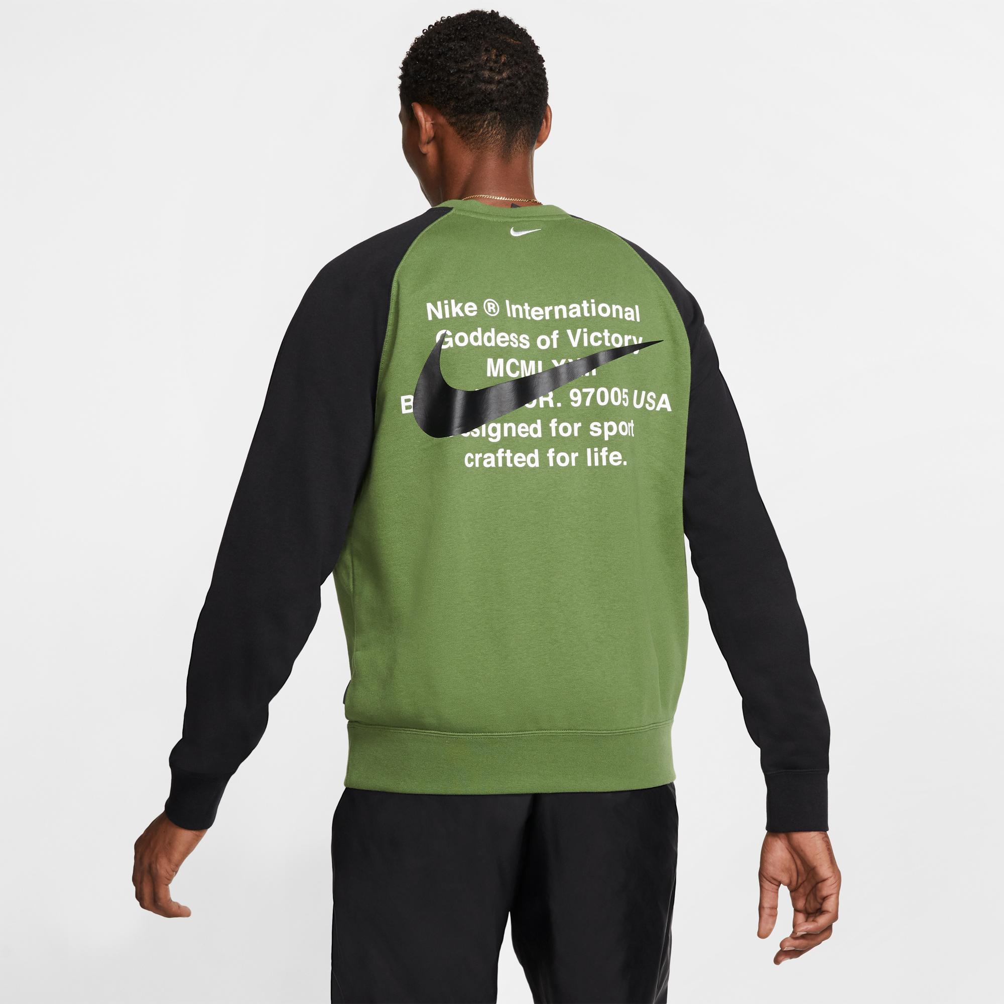 Nike Sportswear Swoosh Crew Erkek Yeşil Sweatshirt