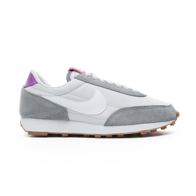 Nike DayBreak Kadın Gri-Beyaz Spor Ayakkabı