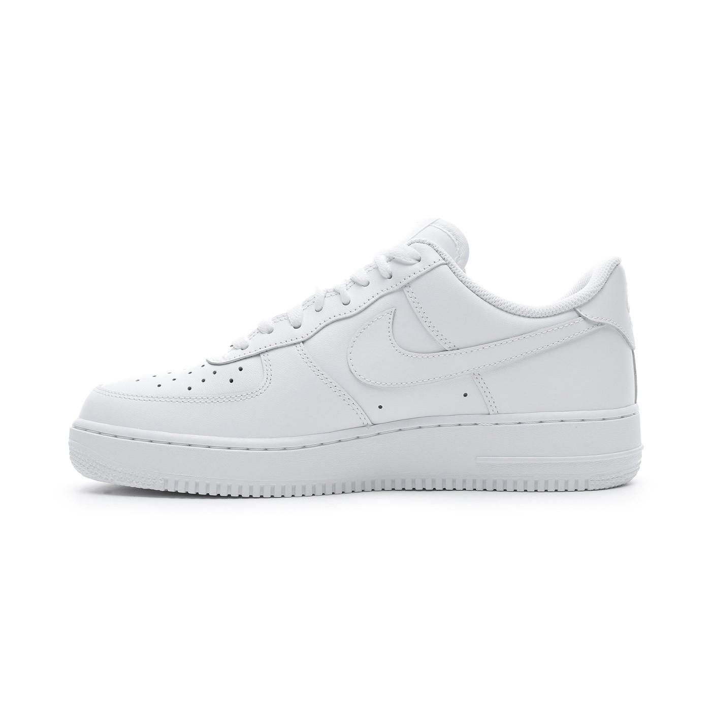 Nike Air Force 1'07 Erkek Beyaz Spor Ayakkabı