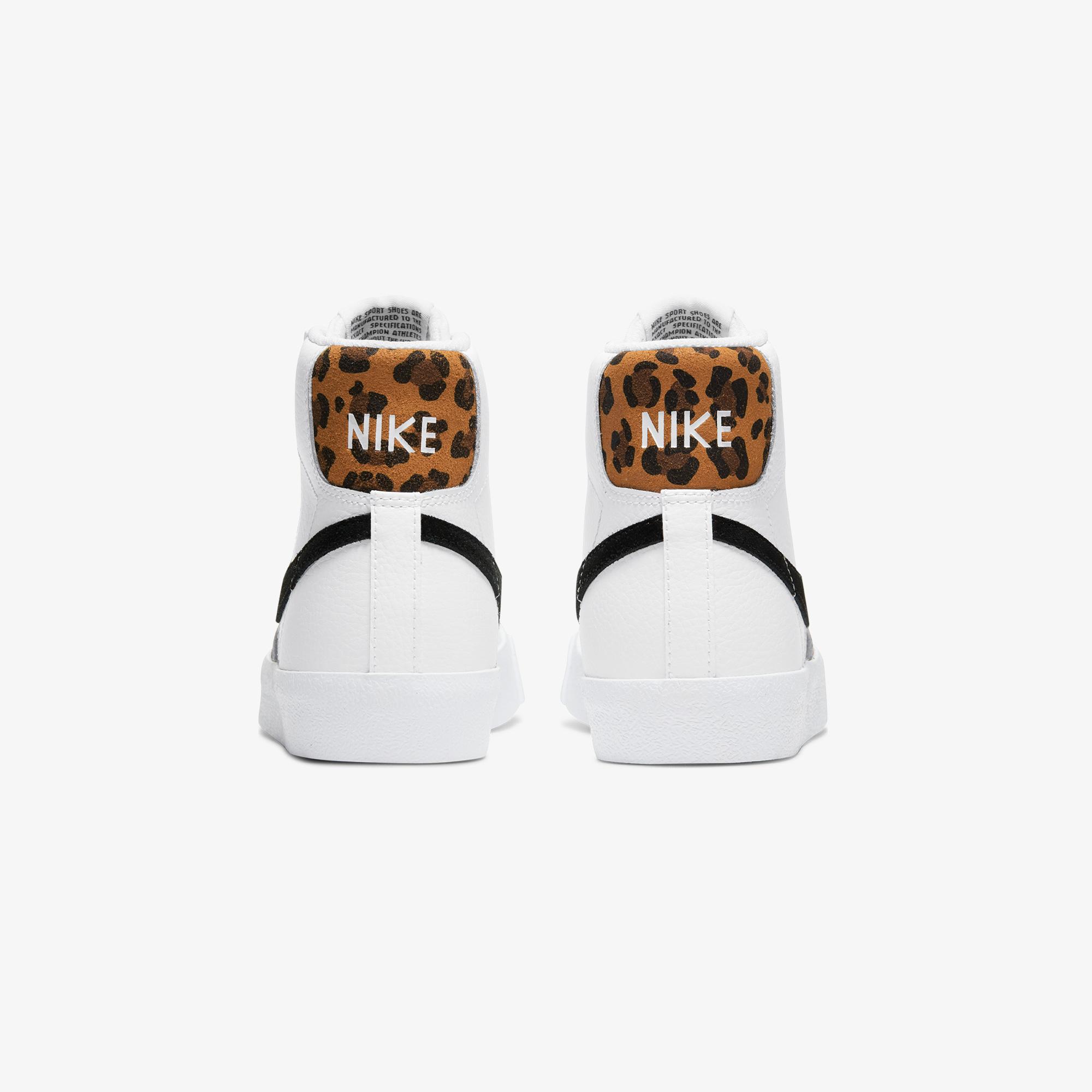 Nike Blazer Mıd '77 Kadın Beyaz Spor Ayakkabı