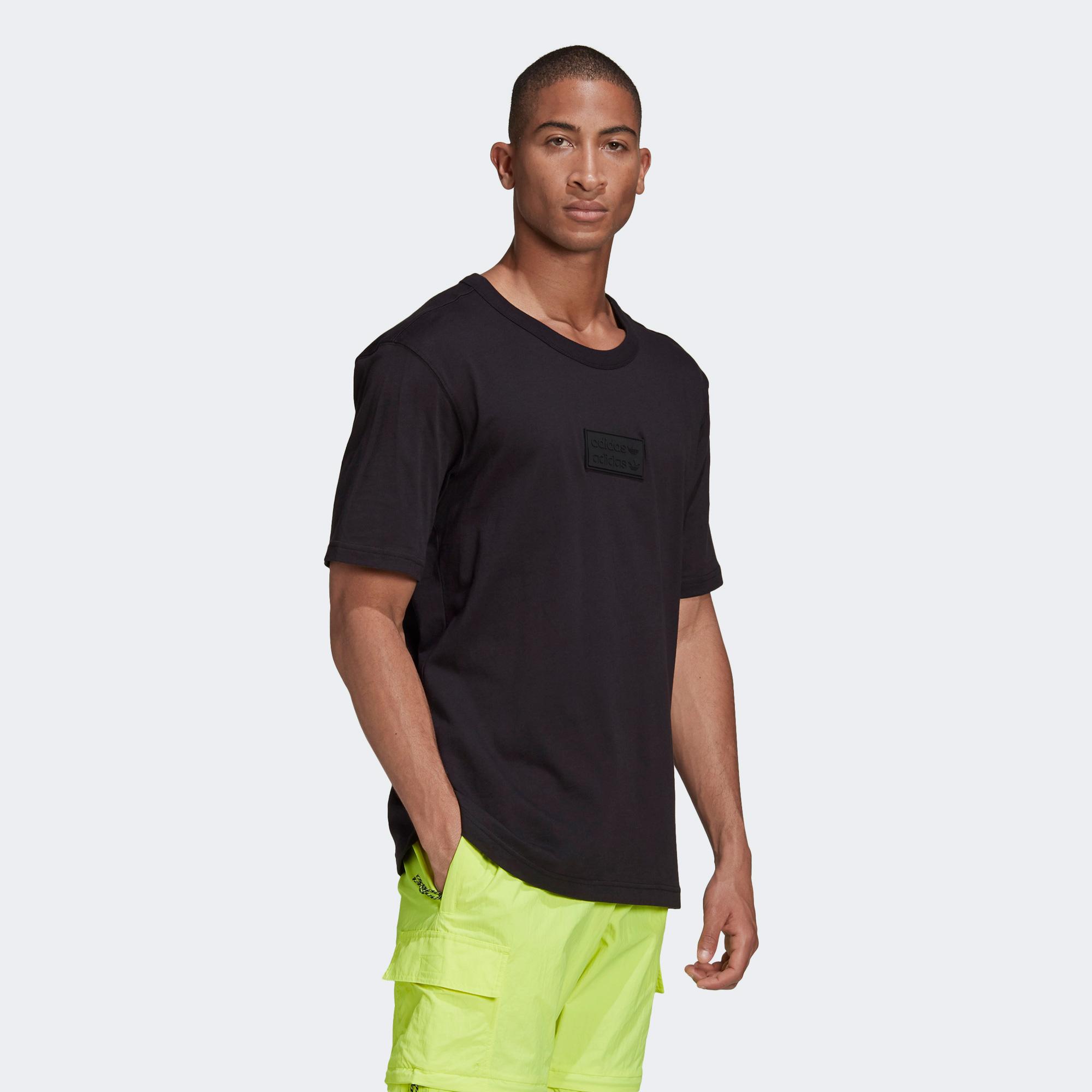 adidas R.Y.V. Silicone Badge Erkek Siyah T-Shirt