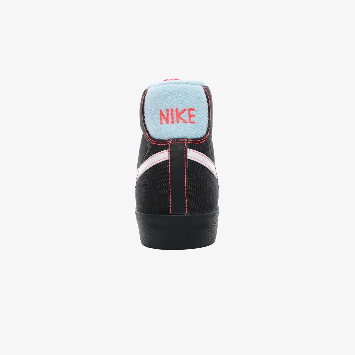 Blazer Mid '77 Kadın Siyah Spor Ayakkabı
