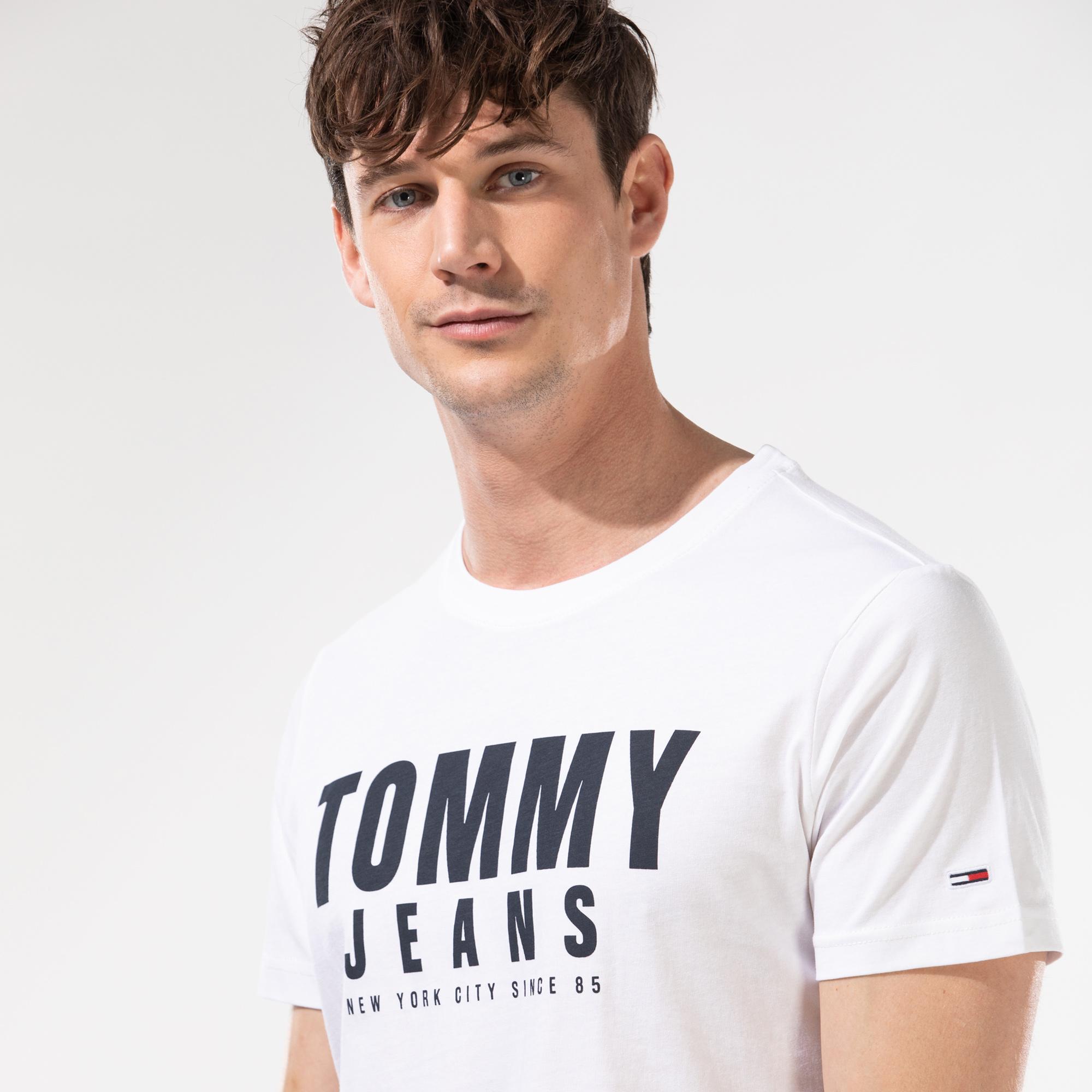 Tommy Hilfiger TJM Center Chest Tommy Graphic Erkek Beyaz T-Shirt