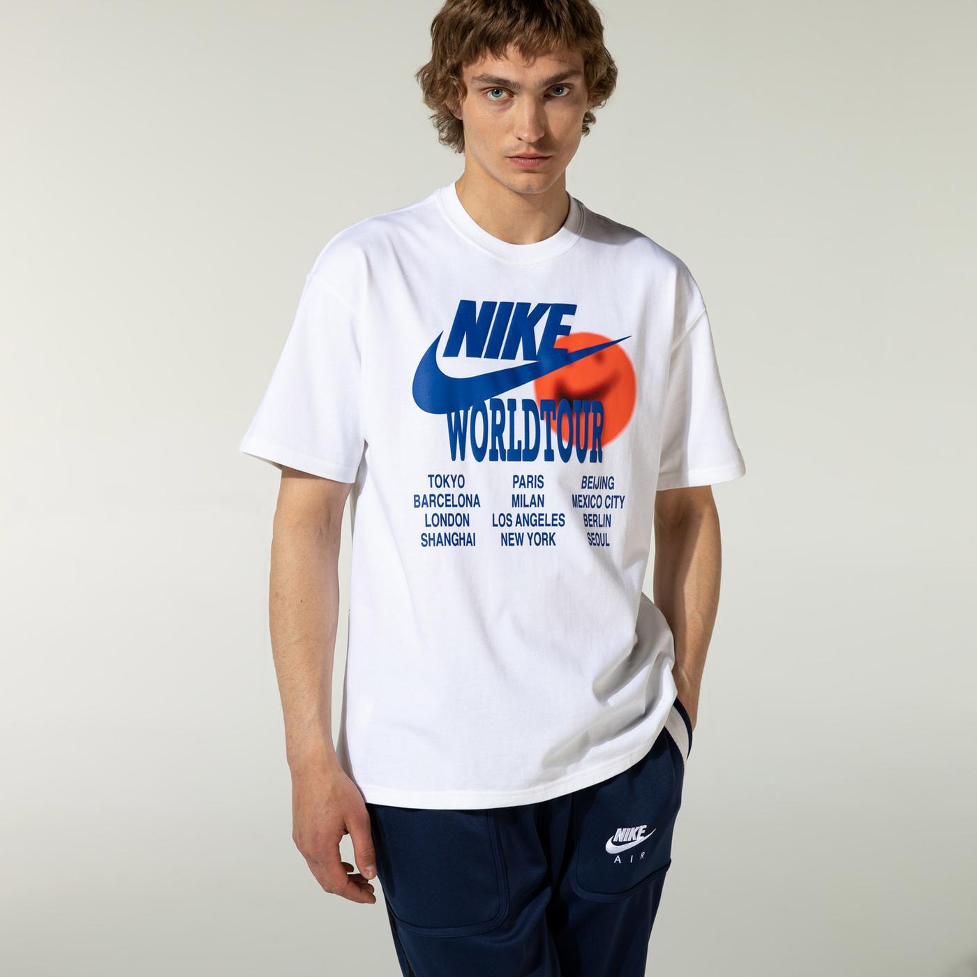 Nike Sportswear World Tour Erkek Beyaz T-Shirt