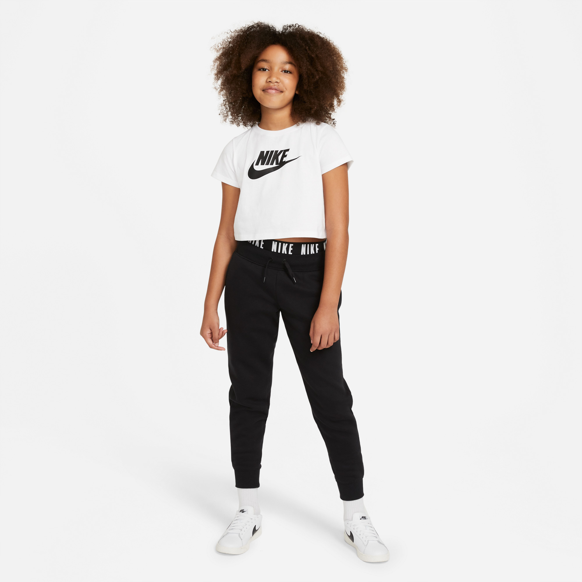 Nike Sportswear Çocuk Beyaz T-Shirt
