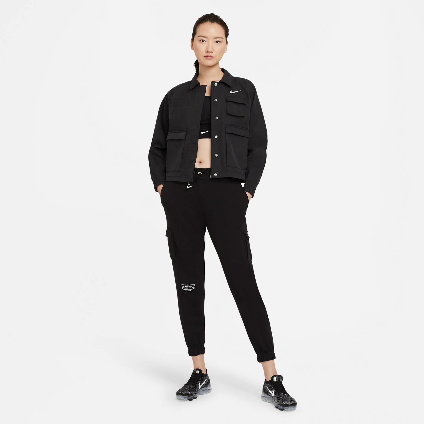 Nike Sportswear Swoosh Kadın Siyah Ceket