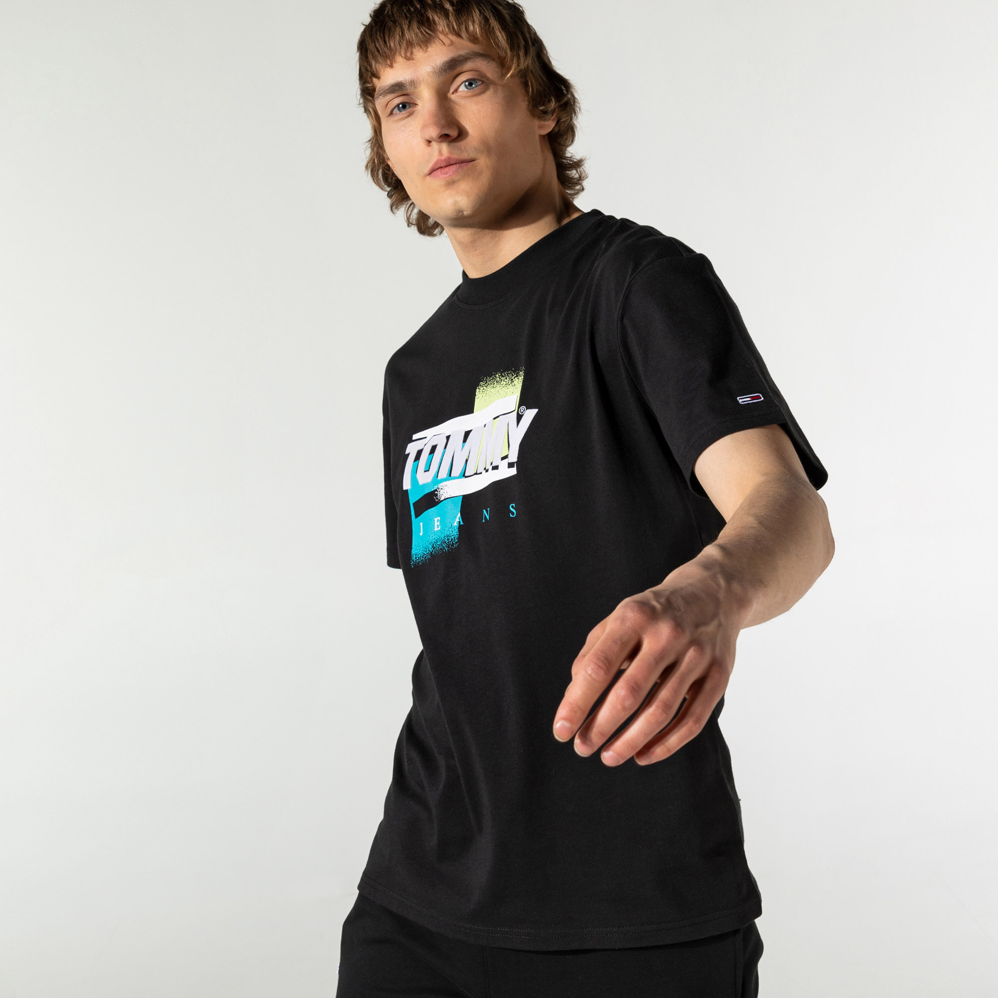 Tommy Hilfiger TJM Faded Color Graphic Erkek Siyah T-Shirt