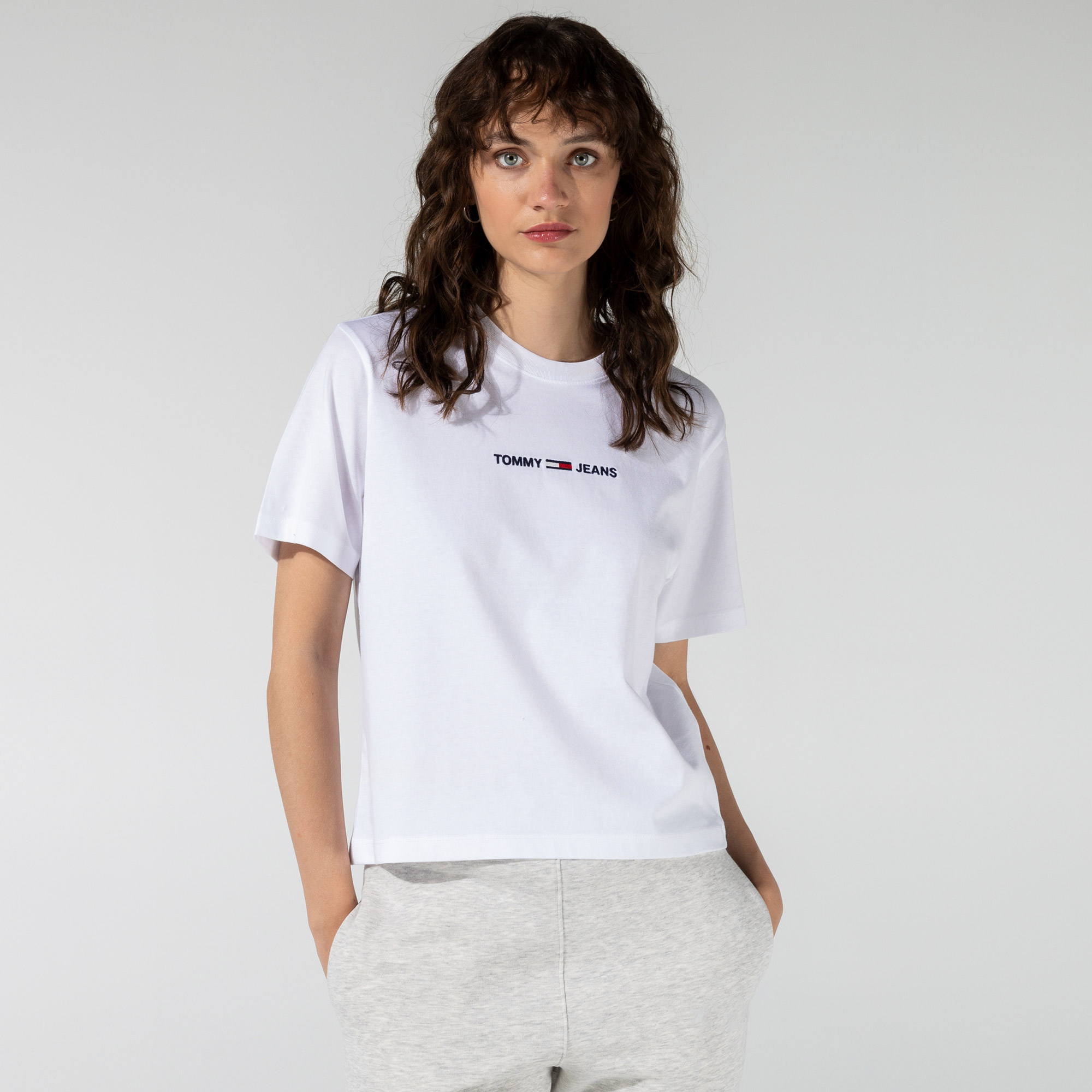 Tommy Hilfiger Linear Logo Kadın Beyaz T-Shirt