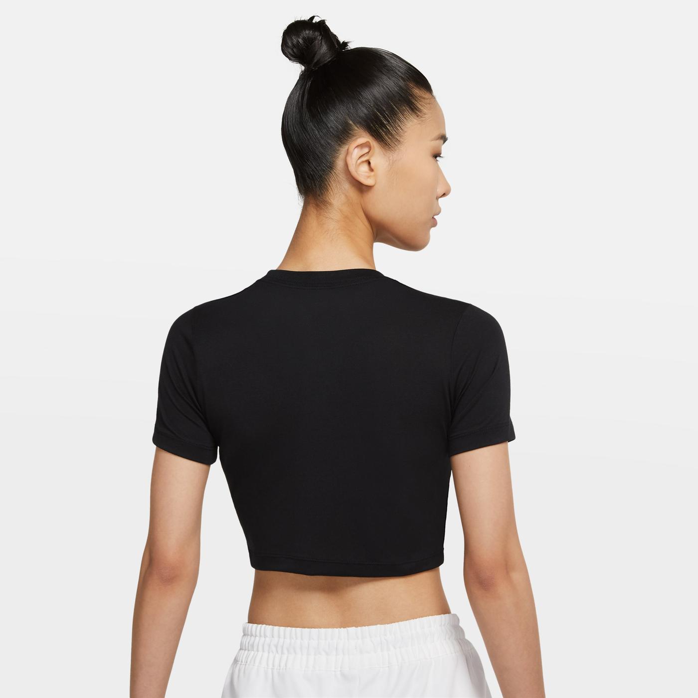 Nike Sportswear Essential Kadın Siyah T-Shirt