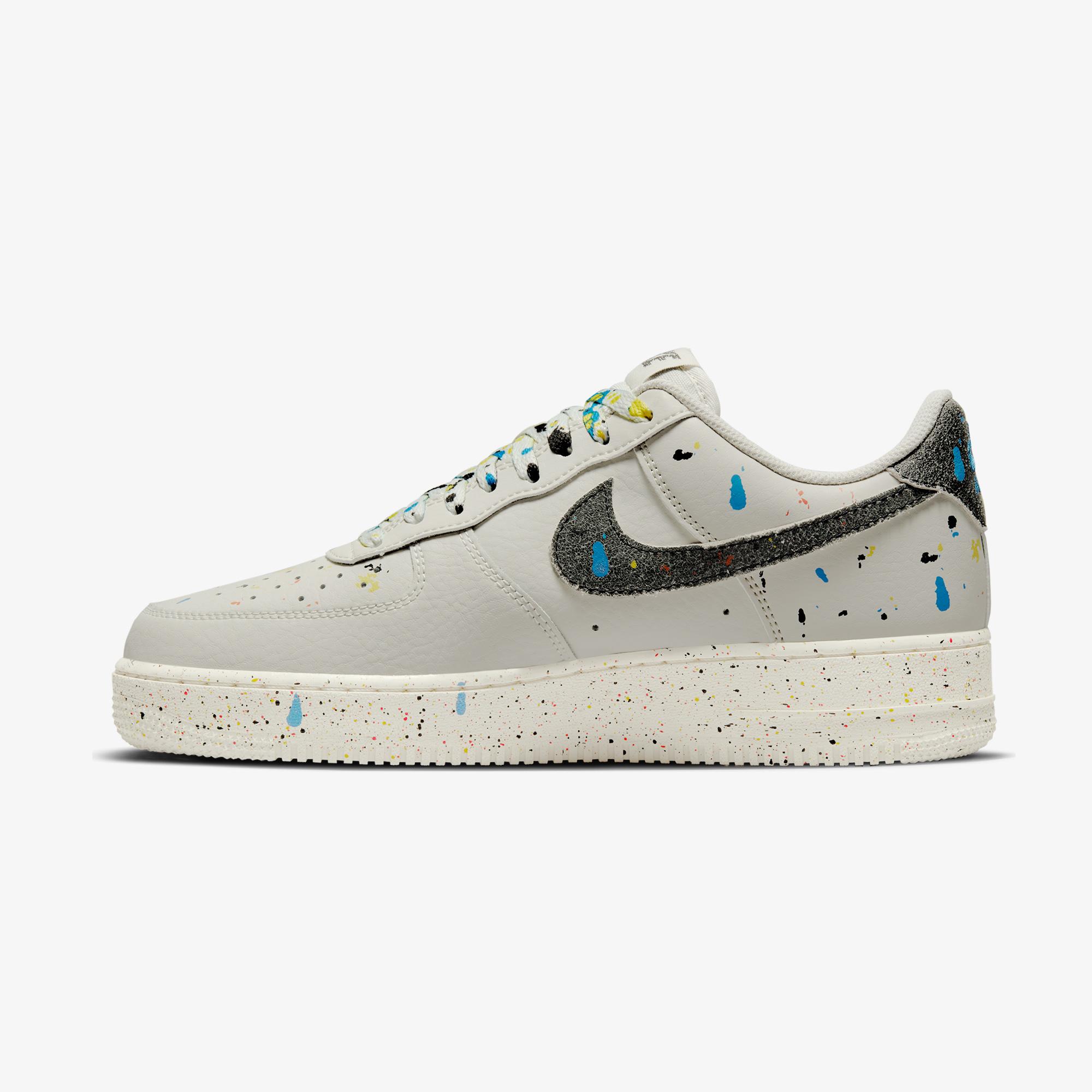 Nike Air Force 1 '07 LV8 Erkek Beyaz Spor Ayakkabı