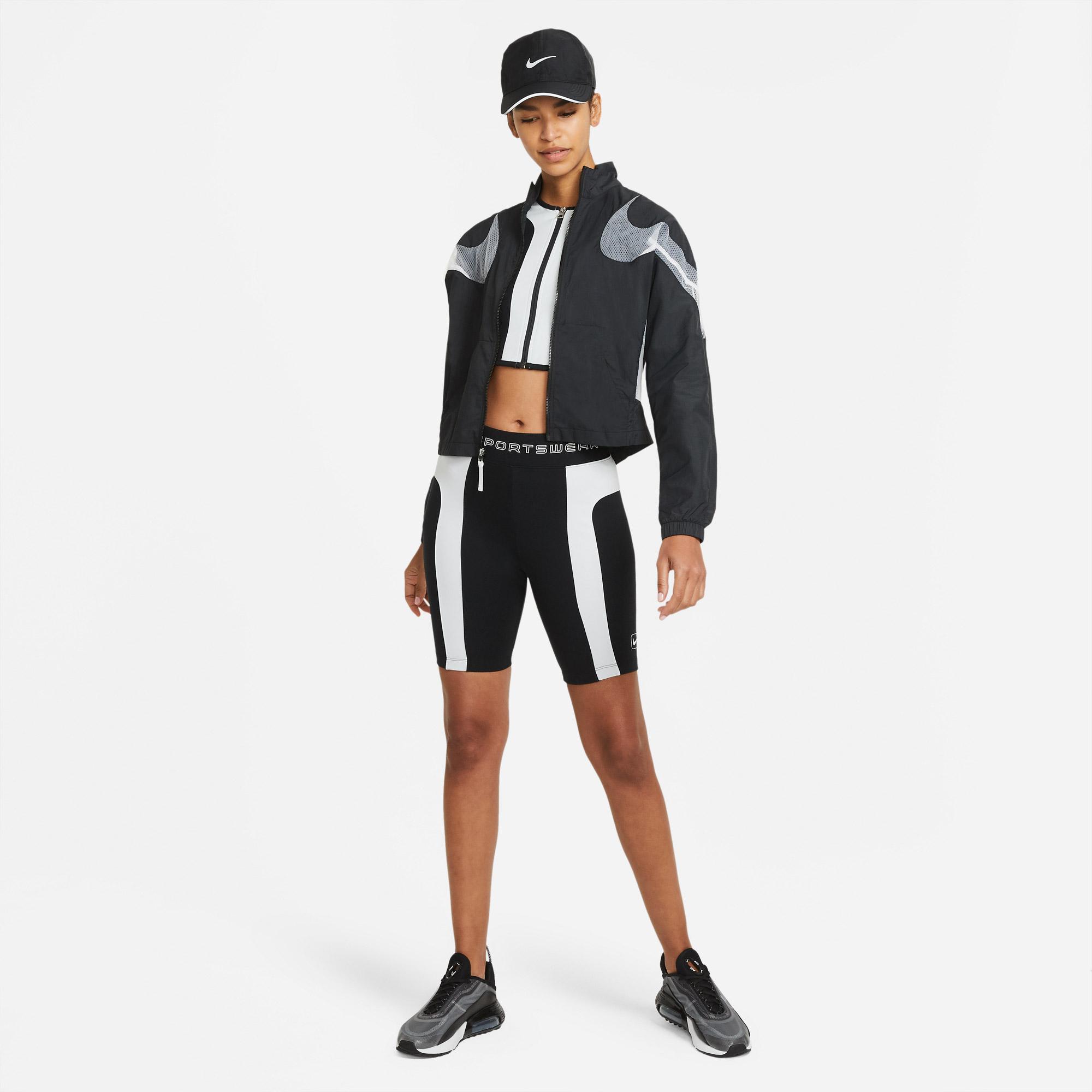 Nike Sportswear Street Kadın Siyah T-Shirt